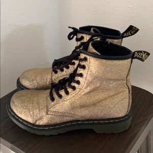 Auth Dr. Martens gold glitter lace up boots Sz 5